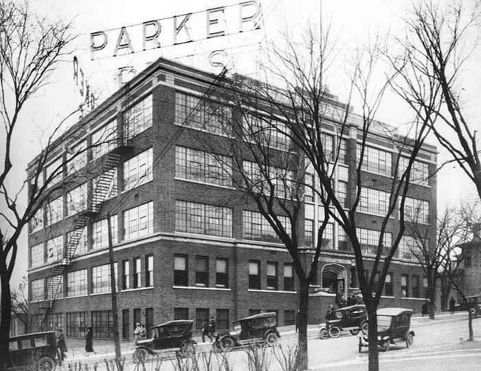 Edificio sede central de Parker en 1920