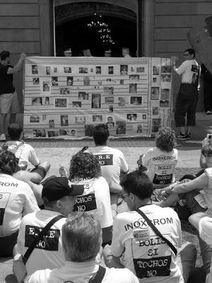 Manifestación trabajadores Inoxcrom ERE en Plaza Sant Jaume