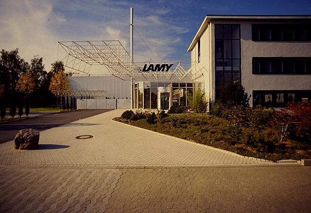 Foto del exterior de la fábrica de Lamy