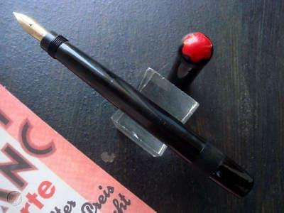 Montblanc rouge et noir vintage