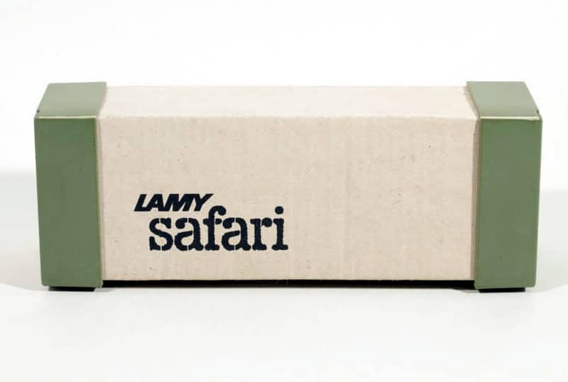 Parte fronta de la caja de una Safari