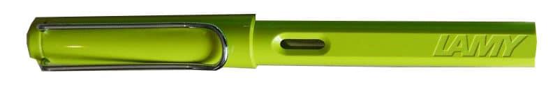 Edición especial de 2008 en color verde lima, con la cruz en color negro en la tapa