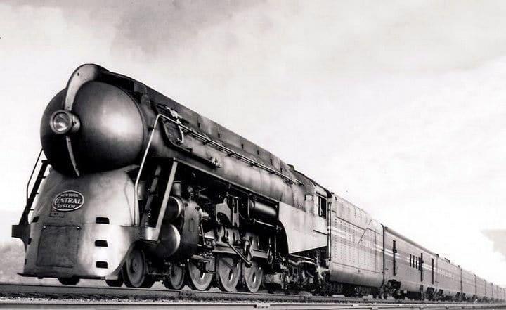 Imagen de la locomotora y los vagones de la serie Mercury J3, obra del diseñador Henry Dreyfuss