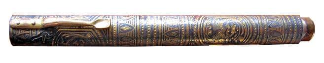 Pluma estilográfica decorada con tula